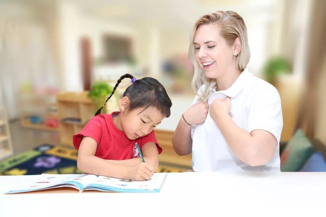 虫洞儿童中心英语老师解惑:幼升小如何帮孩子英语入门